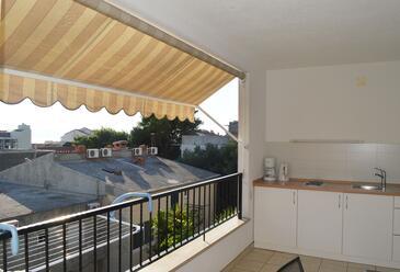 Makarska, Kuhinja u smještaju tipa apartment, kućni ljubimci dozvoljeni i WiFi.