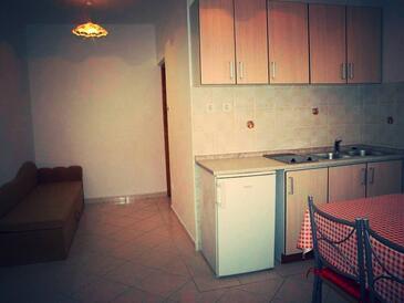 Novi Vinodolski, Kitchen in the apartment, dopusteni kucni ljubimci i WIFI.