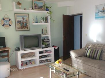 Stanići, Living room in the apartment, dostupna klima, dopusteni kucni ljubimci i WIFI.