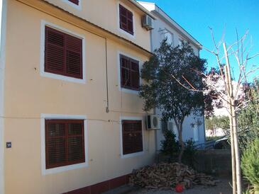 Biograd na Moru, Biograd, Property 11380 - Apartments with pebble beach.