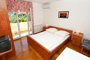 Slatine, Bedroom 1 in the room, dostupna klima i WIFI.