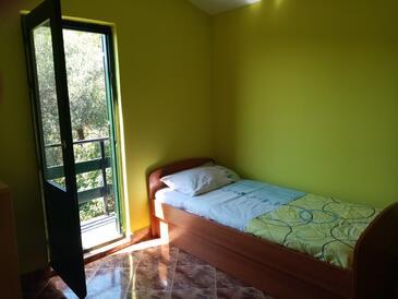 Kobiljak, Obývací pokoj v ubytování typu house.