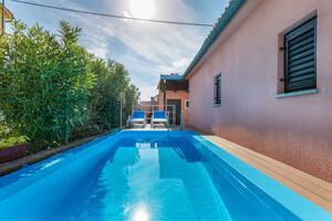 Maison de vacances avec la piscine Fazana - 11396