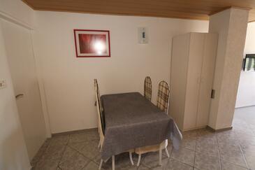 Nin, Jedáleň v ubytovacej jednotke studio-apartment, dopusteni kucni ljubimci i WIFI.