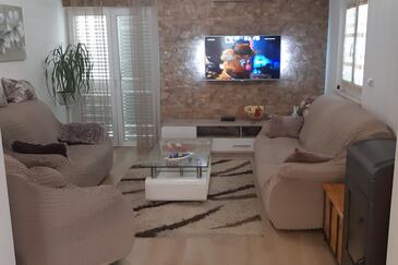 Stanići, Living room in the apartment, air condition available and WiFi.
