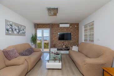 Stanići, Obývacia izba v ubytovacej jednotke apartment, klimatizácia k dispozícii a WiFi.