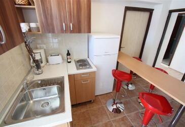 Novi Vinodolski, Kitchen in the apartment, dostupna klima, dopusteni kucni ljubimci i WIFI.