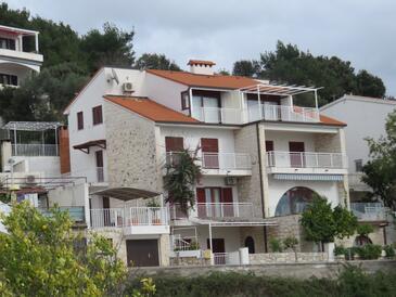 Hvar, Hvar, Property 11427 - Apartments with pebble beach.