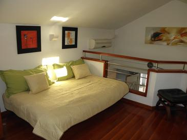 Postira, Living room in the apartment, (pet friendly) and WiFi.