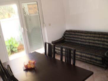 Valbandon, Obývací pokoj v ubytování typu apartment, dopusteni kucni ljubimci i WIFI.