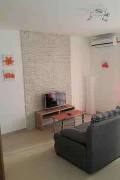 Pula, Living room in the apartment, dostupna klima.