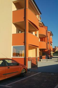 Pula, Pula, Property 11445 - Apartments with rocky beach.
