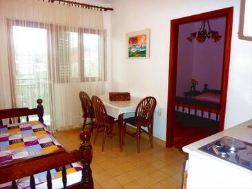 Poljica, Dining room in the apartment, WiFi.
