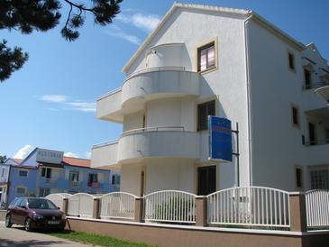 Privlaka, Zadar, Property 11461 - Apartments with sandy beach.