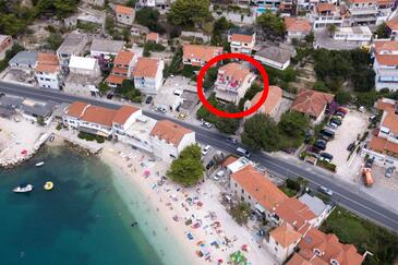 Sumpetar, Omiš, Property 11462 - Apartments near sea with pebble beach.