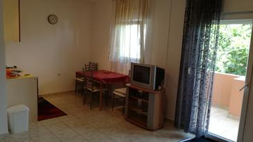 Barbat, Dining room in the studio-apartment, WiFi.