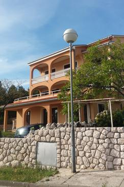 Novi Vinodolski, Novi Vinodolski, Property 11479 - Apartments with pebble beach.