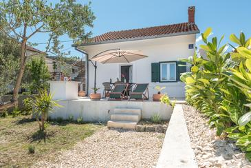 Vinišće, Trogir, Property 11482 - Vacation Rentals near sea with pebble beach.