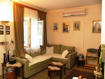 Prigradica, Living room in the house, air condition available and WiFi.