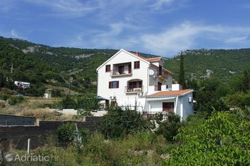 Komiža, Vis, Property 1149 - Apartments near sea with pebble beach.
