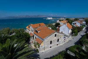 Apartments and rooms by the sea Supetar (Brač) - 11497