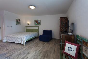 Kornić, Гостиная в размещении типа studio-apartment, доступный кондиционер и WiFi.