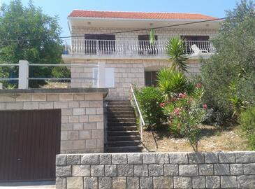 Žrnovska Banja, Korčula, Objekt 11510 - Apartmaji v bližini morja s prodnato plažo.
