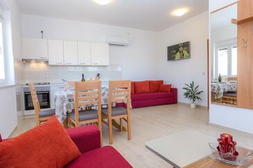 Veli Rat, Столовая в размещении типа apartment, доступный кондиционер и WiFi.