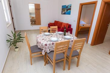 Veli Rat, Dining room in the apartment, air condition available and WiFi.