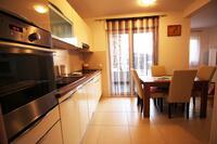 Апартаменты с парковкой Подстрана - Podstrana (Сплит - Split) - 11526