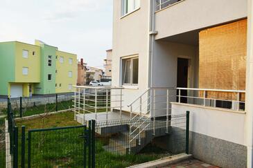 Podstrana, Split, Объект 11526 - Апартаменты с галечным пляжем.
