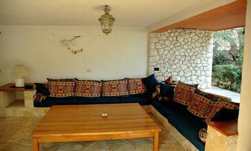 Sevid, Living room in the apartment, dopusteni kucni ljubimci.