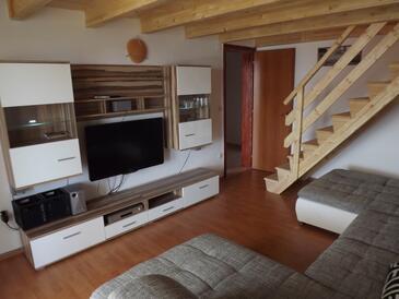 Barbat, Obývacia izba v ubytovacej jednotke apartment, klimatizácia k dispozícii, domáci miláčikovia povolení a WiFi.