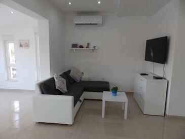 Savar, Wohnzimmer in folgender Unterkunftsart apartment, dostupna klima, dopusteni kucni ljubimci i WIFI.