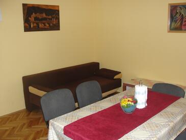 Vodice, Obývací pokoj v ubytování typu apartment, WiFi.