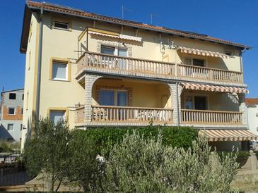 Vodice, Vodice, Property 11544 - Apartments with pebble beach.