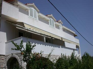 Veli Iž, Iž, Property 11546 - Apartments by the sea.