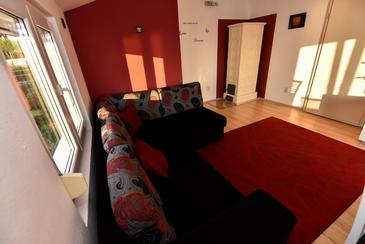 Rtina - Miletići, Living room in the apartment, air condition available and WiFi.