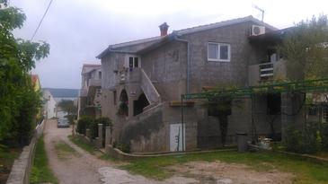 Dobropoljana, Pašman, Property 11562 - Apartments near sea with sandy beach.