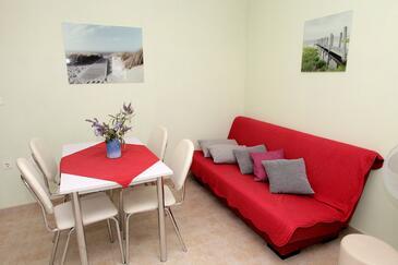 Mavarštica, Jedáleň v ubytovacej jednotke apartment, klimatizácia k dispozícii a WiFi.