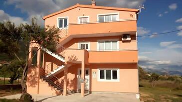 Kaštel Stari, Kaštela, Объект 11571 - Апартаменты с галечным пляжем.