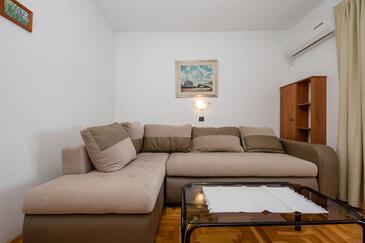 Supetarska Draga - Gornja, Woonkamer in the apartment, air condition available, (pet friendly) en WiFi.