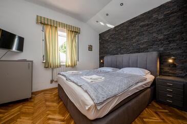 Supetarska Draga - Gornja, Ložnice v ubytování typu room, s klimatizací a WiFi.