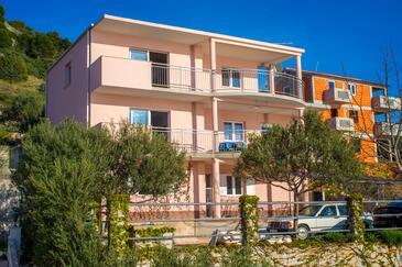 Zatoglav, Rogoznica, Property 11598 - Apartments by the sea.