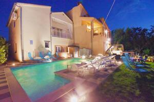 Apartmány s bazénom Fažana - 11599