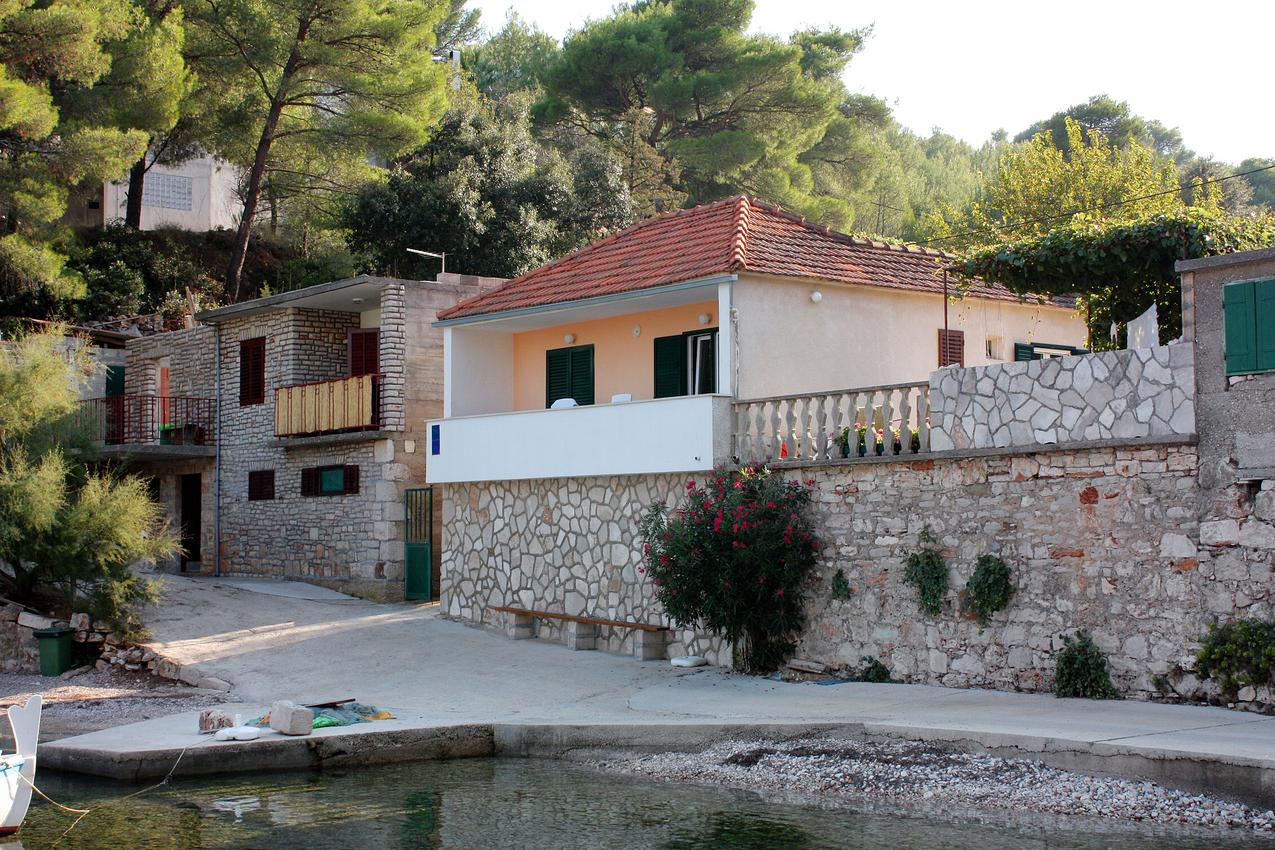 Ferienwohnung im Ort Basina (Hvar), Kapazität 2+0 (1012636), Vrbanj, Insel Hvar, Dalmatien, Kroatien, Bild 1