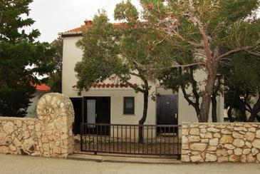 Mandre, Pag, Property 11600 - Apartments with pebble beach.