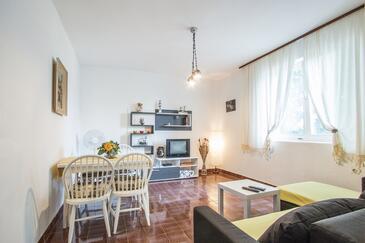 Valbandon, Dnevna soba v nastanitvi vrste apartment, dostopna klima in WiFi.