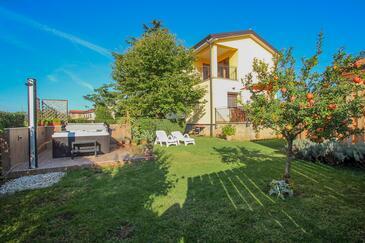 Dajla, Novigrad, Property 11612 - Vacation Rentals with pebble beach.