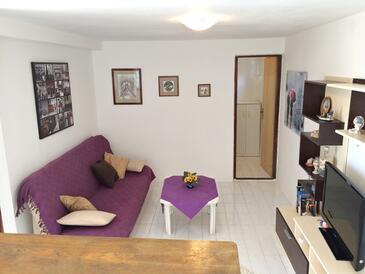Stara Novalja, Living room in the apartment, dostupna klima, dopusteni kucni ljubimci i WIFI.